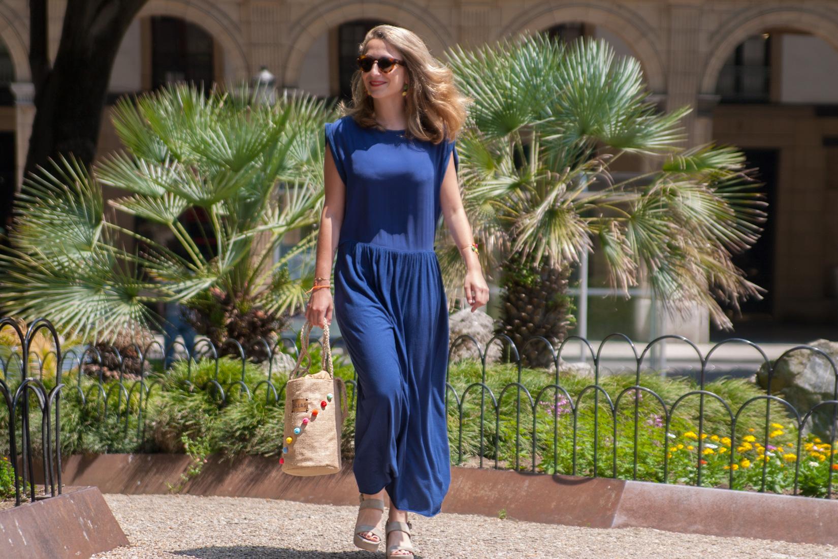 Cristina Limousin posando en la Plaza Guipúzcoa.