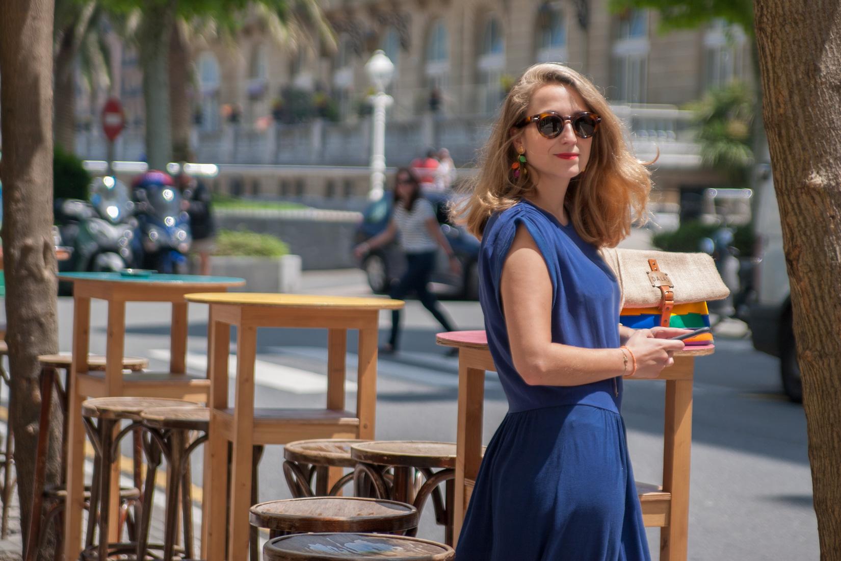 Cristina Limousin posando para Muselines en el café bar KOH-TAO de Donostia.
