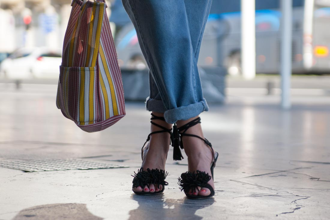 Natalia Tuduri de NAT&CLOTH posando con prendas de YO A TI TAMBIÉN.