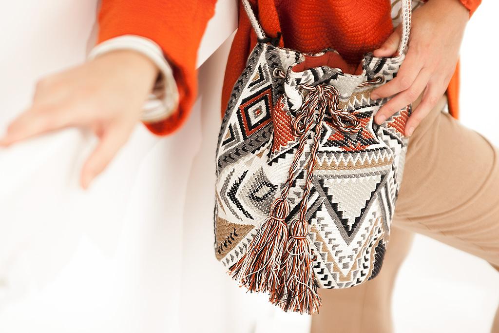 Detalle de bolso de la tienda MINÜK.