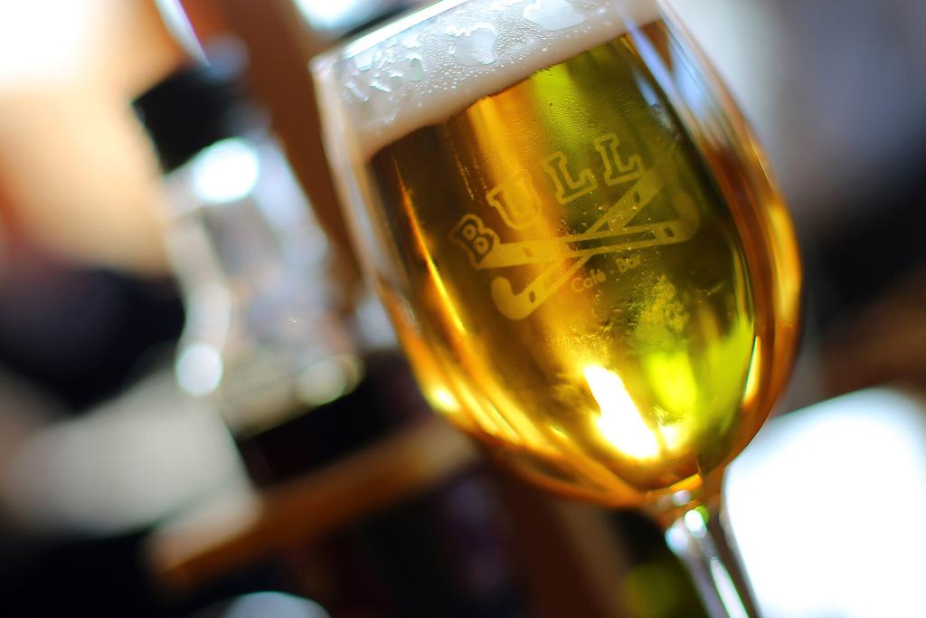 Cerveza recién servida en el BULLY.