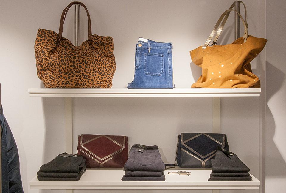 Prendas y complementos de la tienda Minük de Donostia-San sebastián.