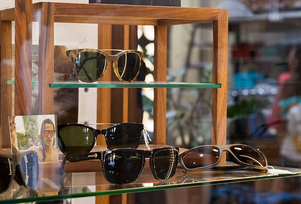 Gafas en el interior de la tienda PUKAS.