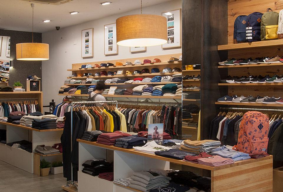 Interior de la tienda Three Elements de Donostia.