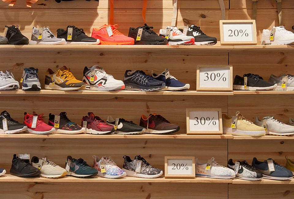 Zapatillas de la tienda Three Elements.