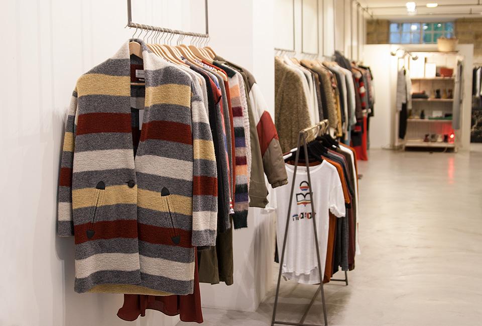 Interior de la tienda de moda BERRIZ.