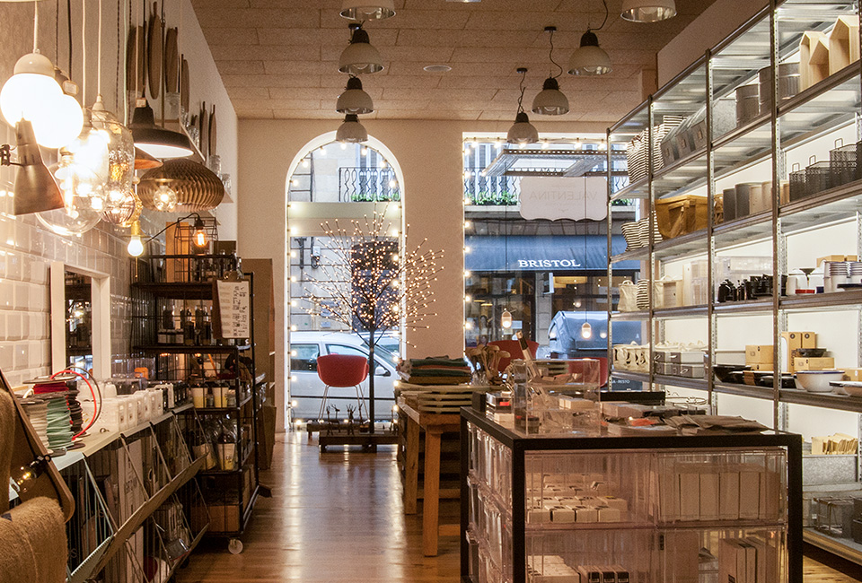 Interior de la tienda Valentina.
