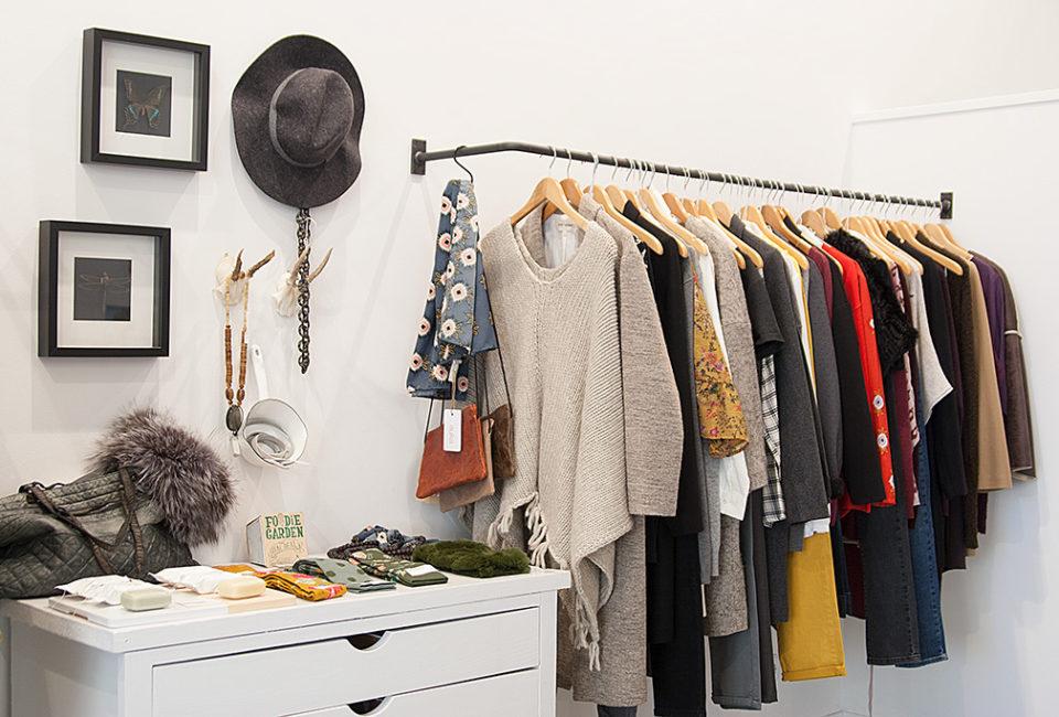 Prendas, accesorios y complementos de AUKA.