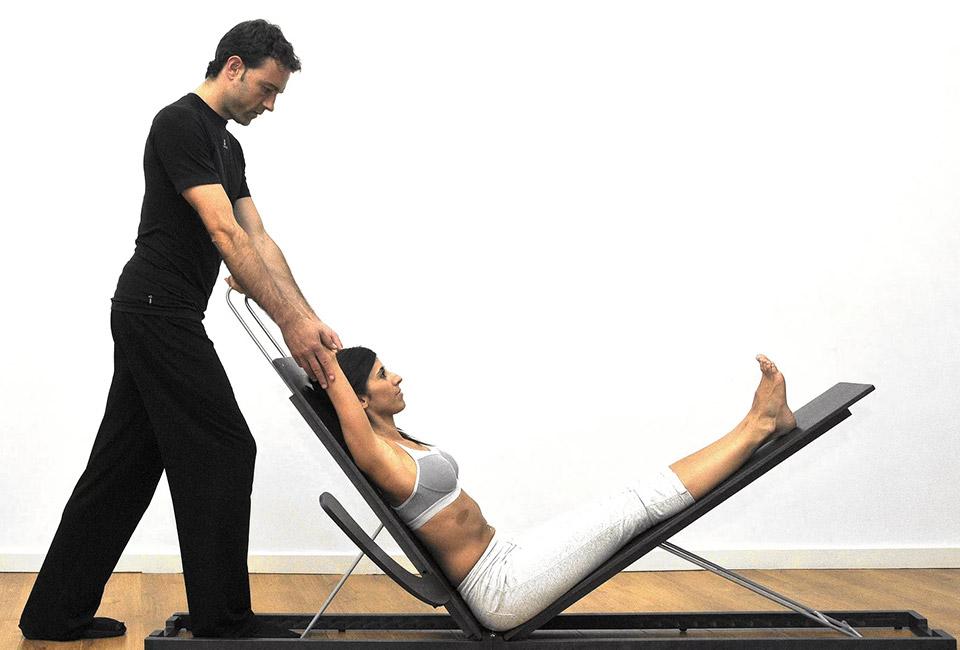 Stretching coach Iñigo Garmendia