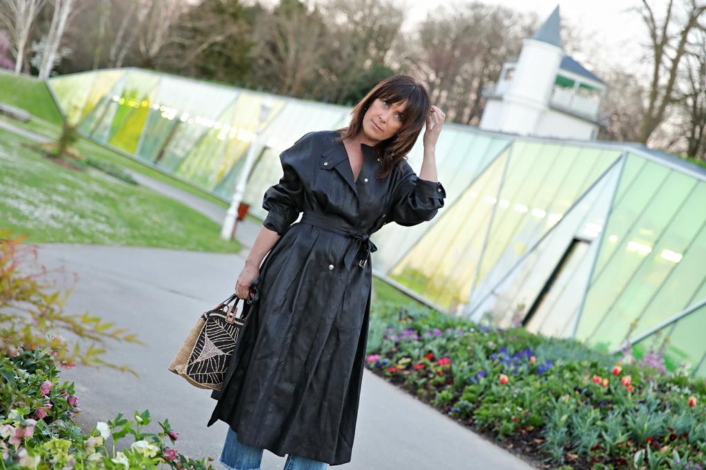 Elena Trocaola posando para Muselines con prendas de Berriz y calzado Ainhoa Etxeberria - The Shoe Boutique.