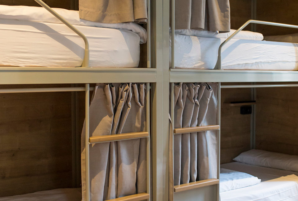 muselines-convent-garden-a-room-in-the-city-donostia-005