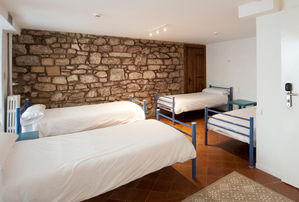 muselines-convent-garden-a-room-in-the-city-donostia-060